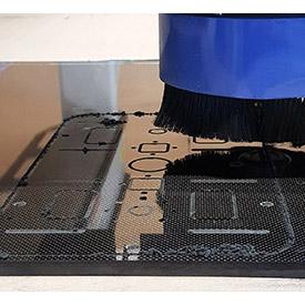 Carbonfaserplatte – auf beliebige Abmessungen zugeschnitten.